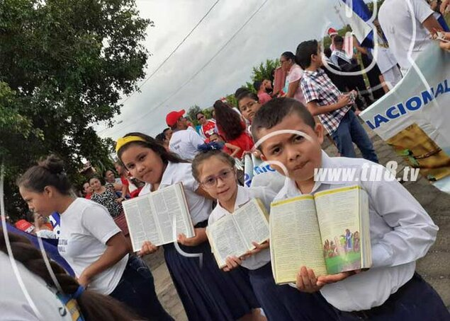 Nicaraguan children celebrate 13 years of free education