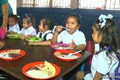 Nicaraguan children enjoy free school meals
